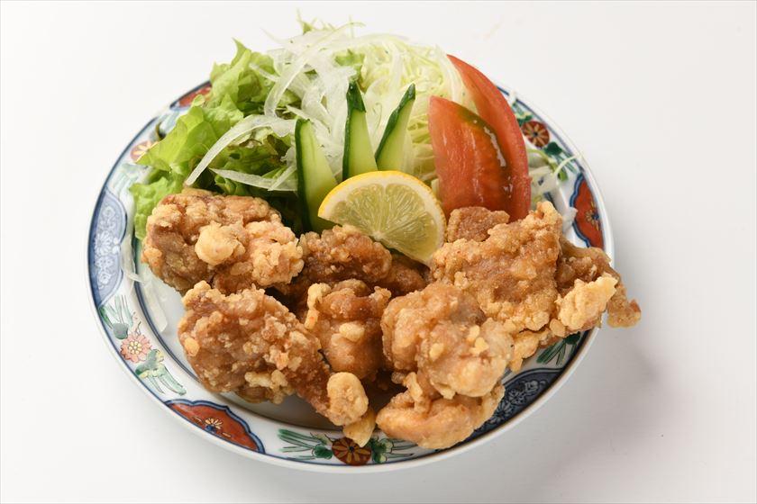 若鶏の唐揚げ・・650円(税別)